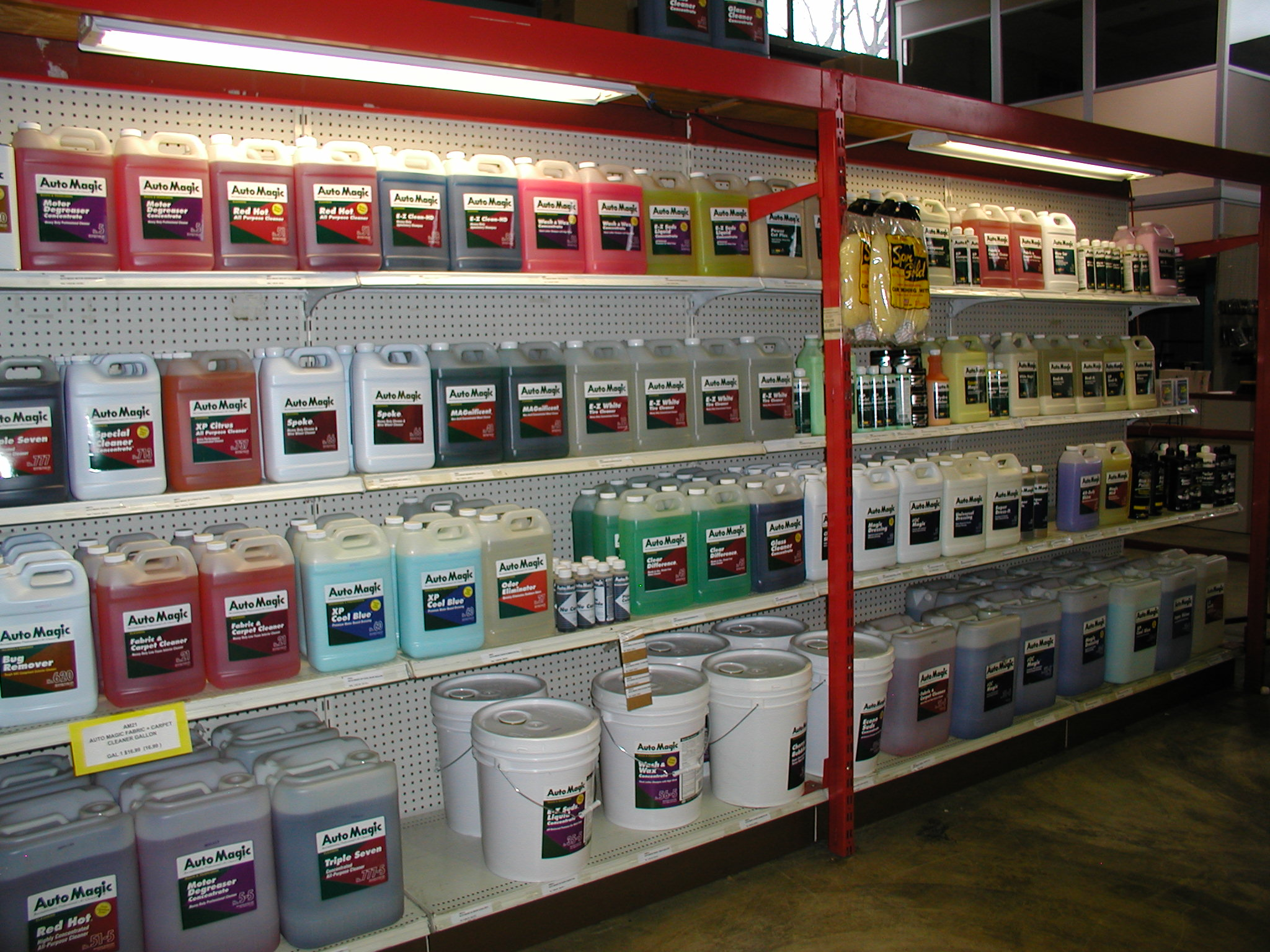 http://chartauto.com/wp-content/uploads/2015/05/Detailing-Products-2.jpg
